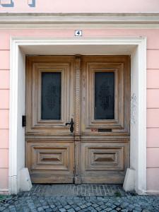 Olcsó műanyag bejárati ajtó árak!