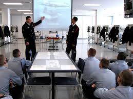 Elméleti és gyakorlati képzés biztonsági- és vagyonőröknek
