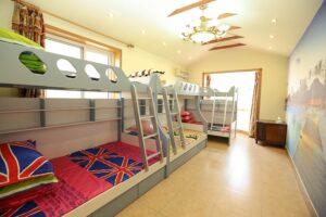 Fenyő emeletes ágy
